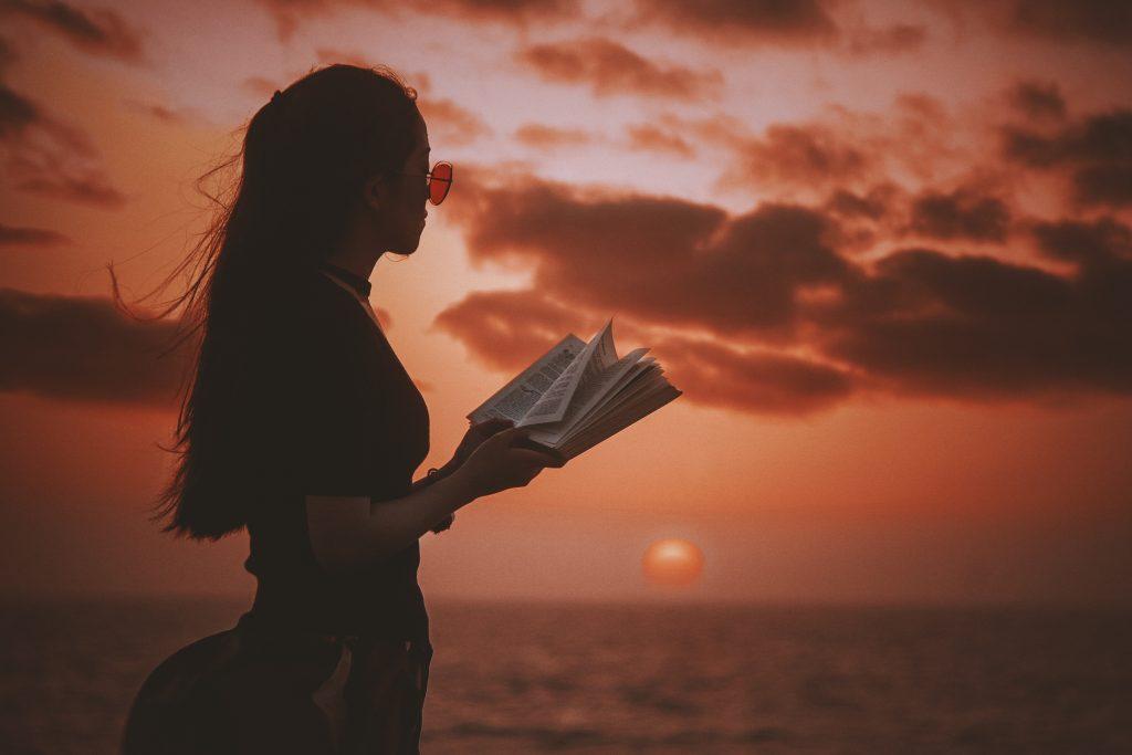 سه شرط برای اینکه شعری را با لحن مناسب و آهنگین بخوانیم